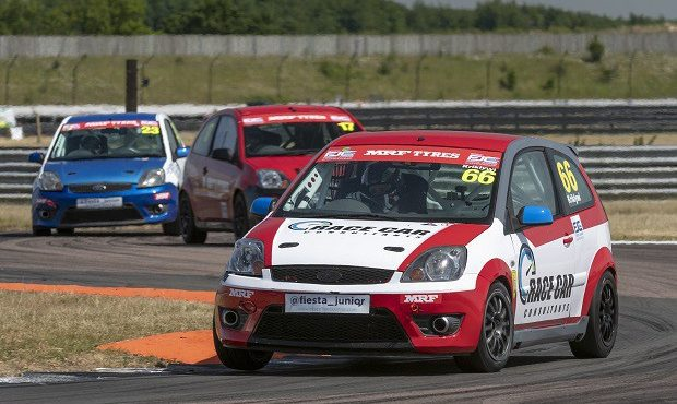 Waite and Kriklywi Share Rockingham Victories